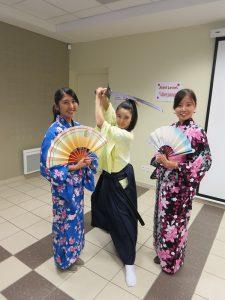 Découverte du Japon - Etudiantes Japonaises en kimono