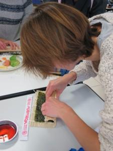 atelier sushis - Rouler le maki